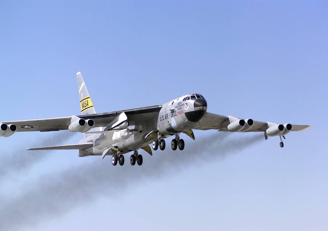 B 52 B52 Bomber (B-52 Strat...